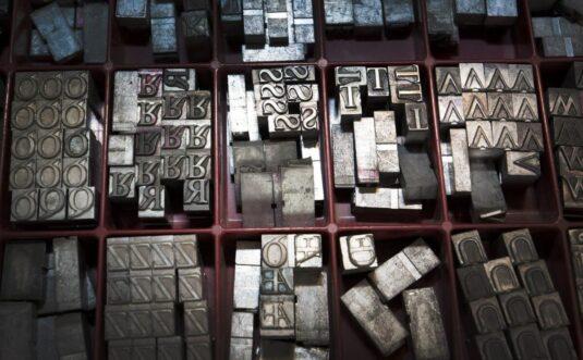 Contratto editoriale e casa editrice: 7 aspetti da considerare prima di pubblicare